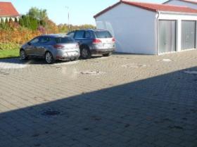Garagen und Stellplaetze.JPG-9d4f2880